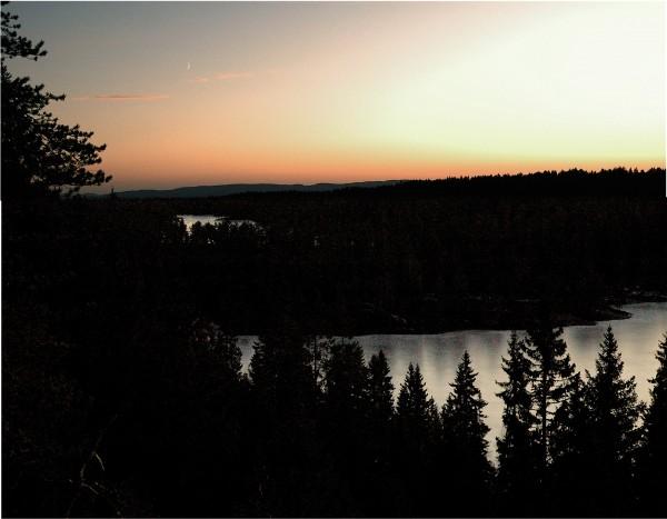 Kveldshimmel over Tverråsvannet og Goliaten