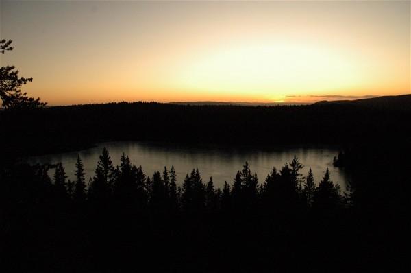 Solen bygde en lyskuppel over Drammensmarka før den forsvant